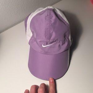 Nike dri-fit lavender&white cap